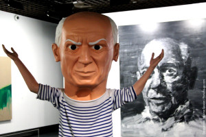 Skulptur av Maurizio Cattelan